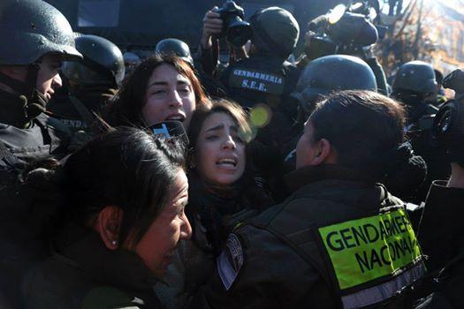 Mujeres y feministas latinomericanas y de otros países del mundo apoyamos a lxs trabajadorxs de la multinacional Lear (Argentina) y repudiamos la represión